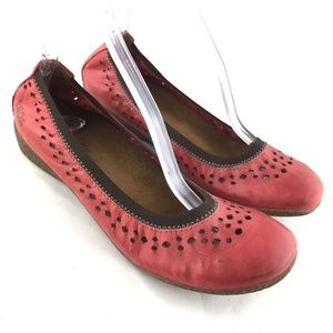 Ballet flat red leather cushioned shoe Taos Untold